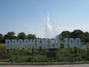 Brookfield_Zoo_sign-Brookfield_Zoo-3000000014419-500x375